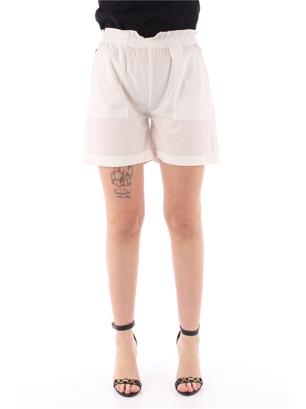Woolrich Shorts white
